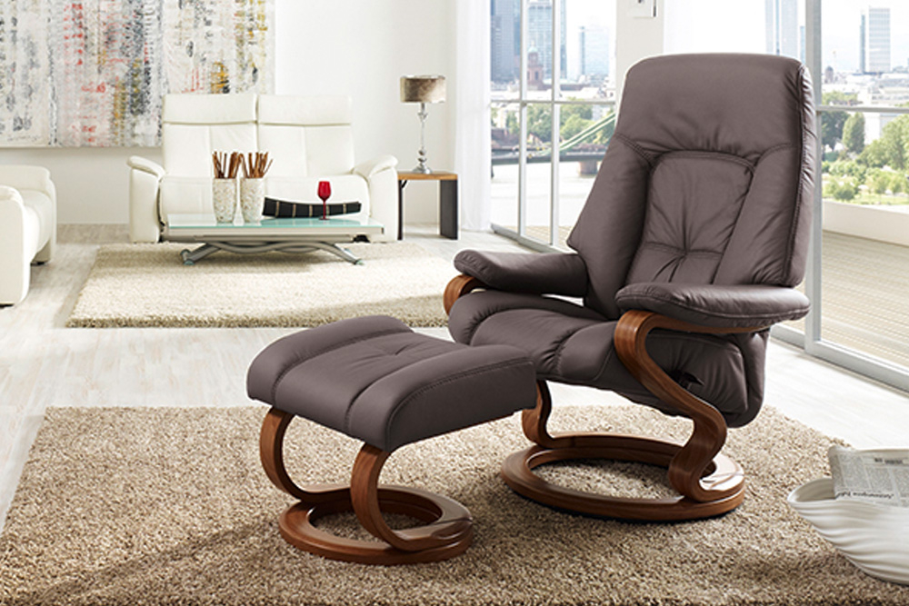 мягкая мебель из германии в салоне в минске немецкие кресла прямые